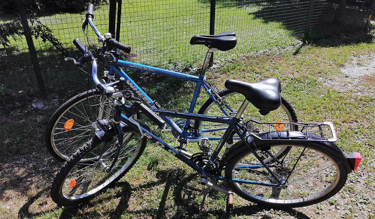 Za ogled bližnje okolice si lahko brezplačno izposodite dve kolesi.