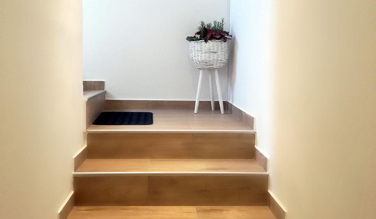 Stopnice v zgornje nadstropje